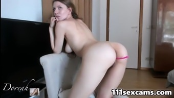 Amateur Beautiful Babe Showing Pussy On Webcam