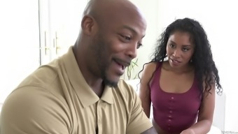 Yasmine De Leon Wants A Black Lover'S Dick During A Cuckold Game