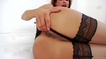 Kinky Tranny Susy Gomes Jerks Her Dick Off In A Bedroom