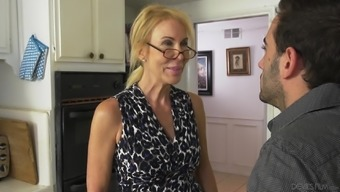Dick Craving Grandma Erica Lauren Opens Her Legs For A Hard Prick