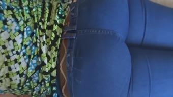 The Big Ass Of My Wife In Jean - Culo De Mi Esposa En Jean
