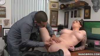 Curvy Slut In Leather Boots Fucked