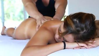 Superb Hottie In Dirty Massage
