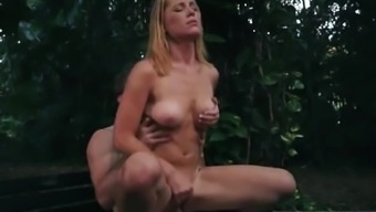 Extreme Solo Raylin Ann Is A Sexy,