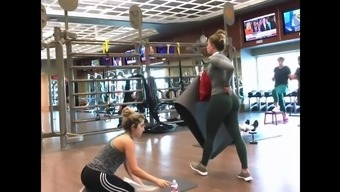 Candid- The Most Amazing Bubble Butt In Leggings Ever