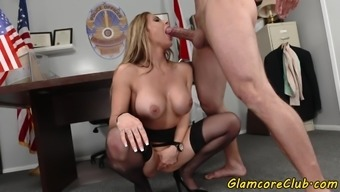 Cockriding Pornstar Screwed In Police Outfit