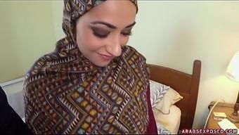 Arab Woman In Hijab: No Money, No Problem - Arabs Exposed (Xc15339)