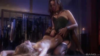 There Is Nothing Better For Faye Reagan Than A Lesbian Sex With A Strapon