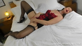 Mature Brunette Lara Knows How To Reach An Orgasm With Her Big Dildo