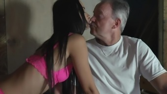 Teenager Spying On Grandpa And Asks Him To Fuck Her Sweet Pussy