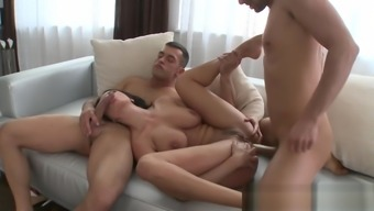Stunning Eurobabe Assfucked In Threesome