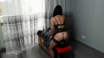 Strict Wife Mia Fucks The Slave'S Face By Her Cunt. Rough Facesitting.