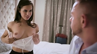Hot Romantic Babe Reagan Foxx Loves Fucking Doggy Style With Her Stud
