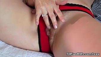 Can Justine Reach Her G-Spot? - Justine - 50plusmilfs