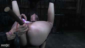 Fixed In A Really Weird Pose Bitch With Big Ass Lila Katt Gets Masturbated Hard