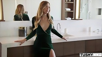 Tushy Shy Avery Seduces And Has Anal Sex With Her Longtime Crush