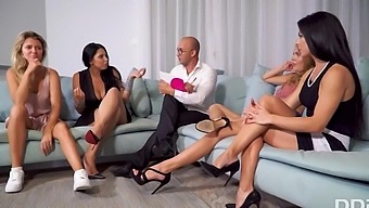 Verona Sky, Kira Queen And Mary Kalisy - Four Lesbians Have An Oral Swinger Party On A Blue Couch
