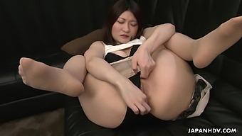Japanese Woman, Shiori Moriya Is Moaning, Uncensored