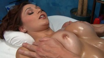Attractive Ariana Marie Fucked By Set Up Masseur