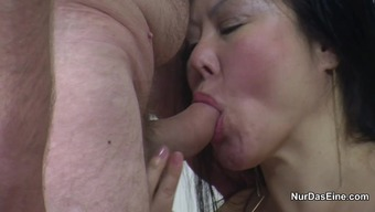 Thai Yoga Harlot Get Fucked By German Born Traveller Without The Need For Condom