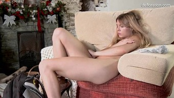 Innocent Exposed Teen Does Her First Naked Photograph Shoot