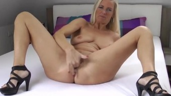 German Born Milf Squirting And Fool Off Instructio