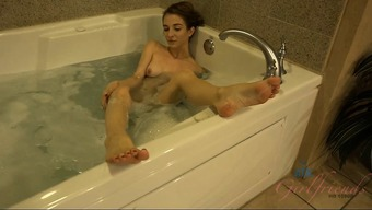 Jackie Marie Gets Two Creampies During One Dating