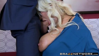 An Elevator Is A Good Area For Drilling Her Latina Pussy