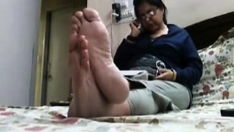 Impartial Steaming Feet (Bottoms And Toes)