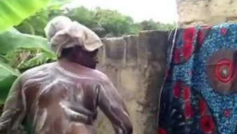 Africa Babe Has A Shower