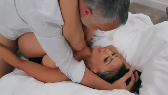 Big Booty Porn Queen Audrey Bitoni Gets Rammed And Facialized