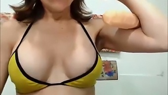 Cute Latina Gilf Really Gets Into Flexing On Cam