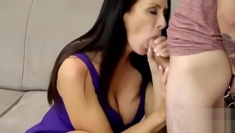 Stepmom Can'T Resist Seducing The Young Exchange Student S2 E5